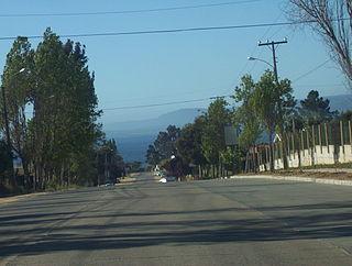 Antiguo camino de entrada a Algarrobo. Al fondo se divisa Tunquén y Quintay .