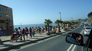 Bahía de El Quisco desde la Avenida Isidoro Dubournais.