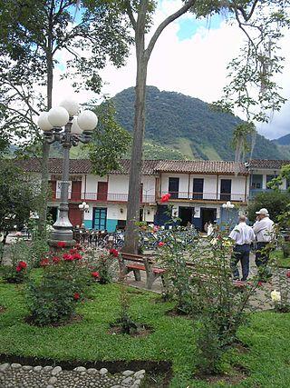 Casa en arriendo en jardin goplaceit for Antioquia jardin
