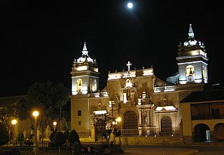 320px ayacucho church by night
