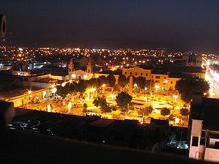 320px plaza armas ica noche