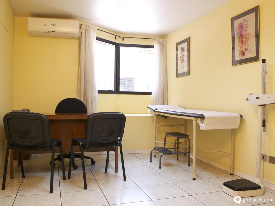 Arriendo de oficina en providencia santiago goplaceit for Arriendo oficina providencia