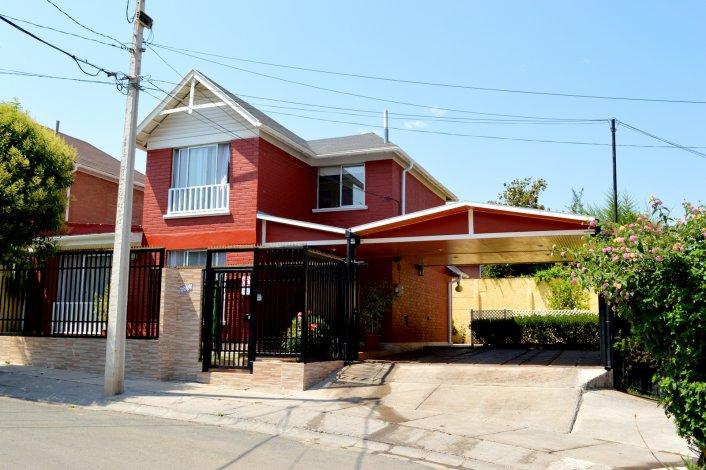 Casa En Venta En Santiago Goplaceit