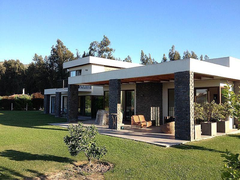 Venta de casa en calera de tango goplaceit for Casas modernas futuristas