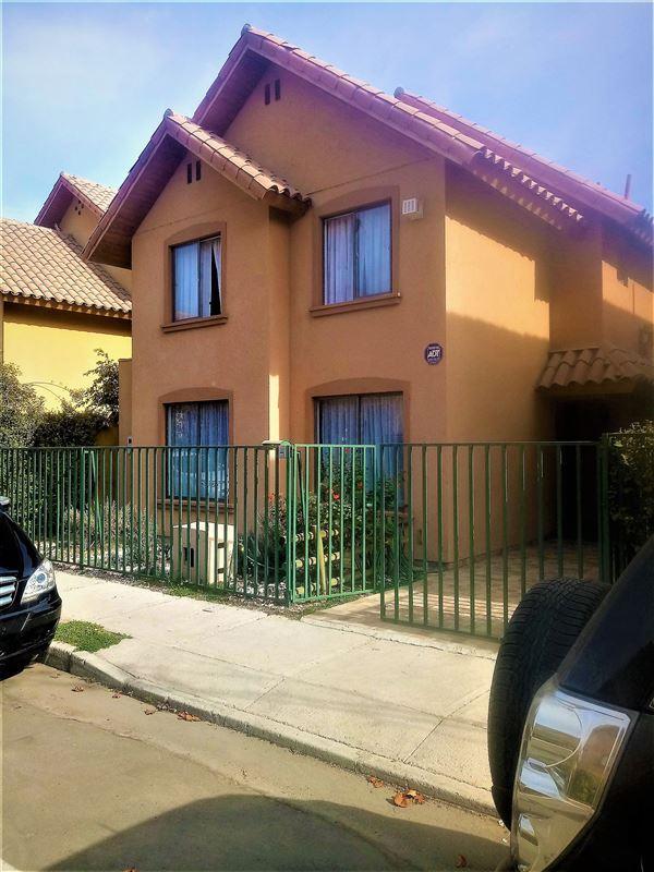 Casa en venta en pe alol n santiago goplaceit for Casa con piscina quebrada alvarado