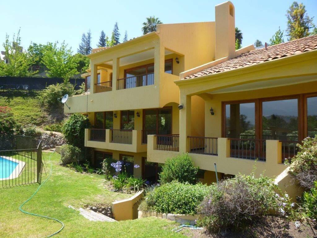 Casa en venta en las condes goplaceit for Casas en chile santiago