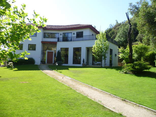 Venta de casa en lo barnechea santiago goplaceit for Casas en chile santiago
