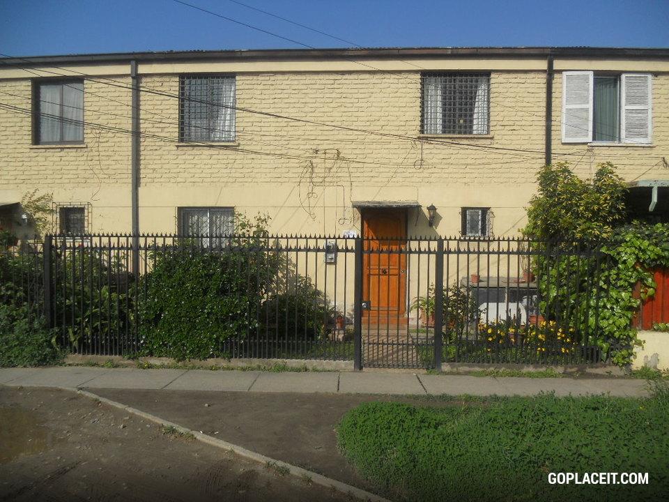 Casa en venta en estaci n central goplaceit for Inmobiliaria 3 casas