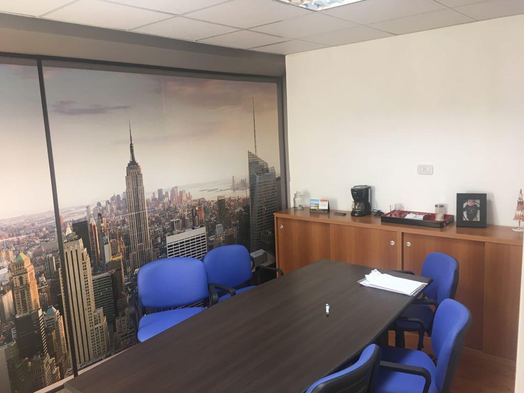 e8a97bc94923 Oficina en Venta en Monserrat