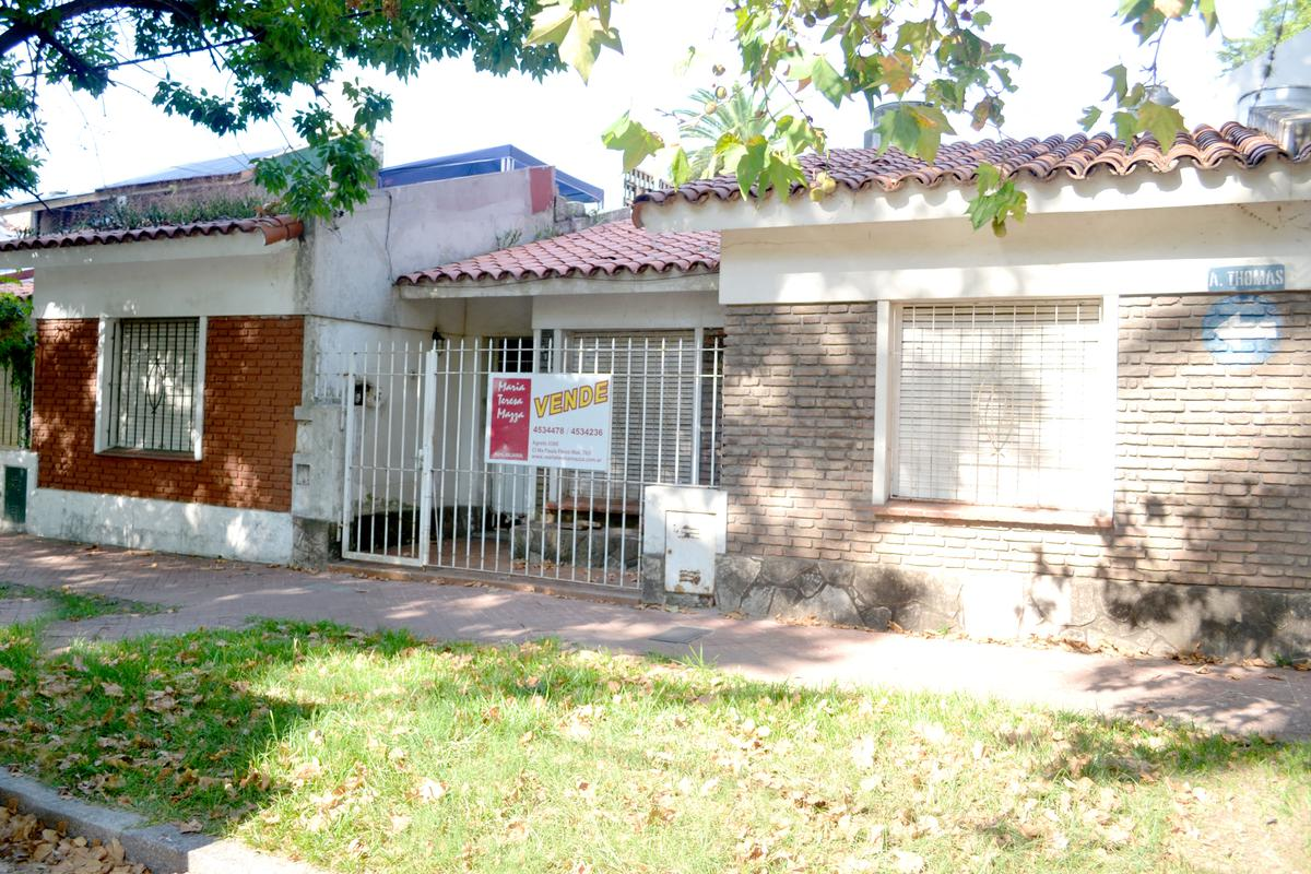 4875b491ad9 Casa en Venta - Alvarez Thomas al 2100